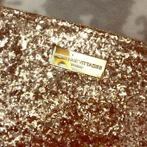 Adrienne vittadini  Gold glitter wristlet charger
